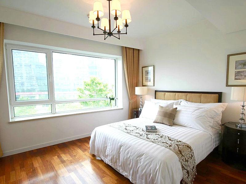 简约温馨新中式卧室飘窗效果图