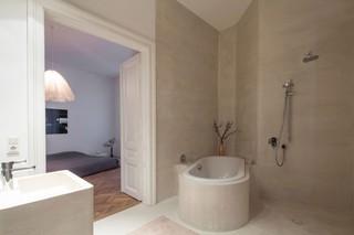 斜角小户型浴缸卫生间效果图