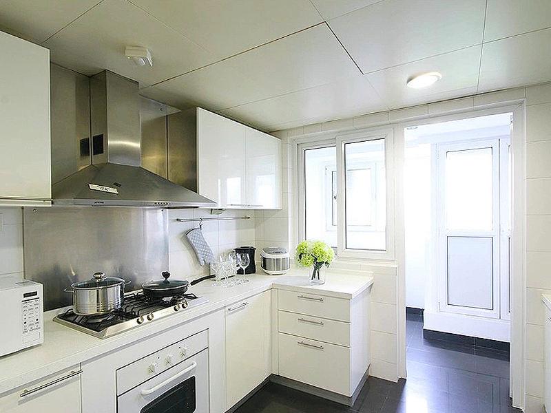 简约白现代风小厨房效果图