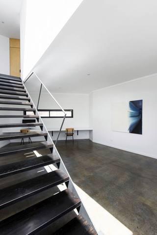 宽敞复式日式风格家装楼梯效果图