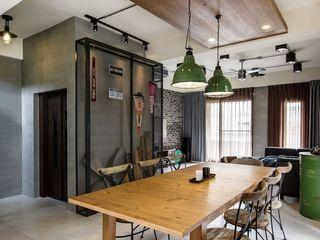 个性现代工业风餐厅特色背景墙效果图