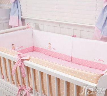 婴儿床品保养三法:被子勿长时间暴