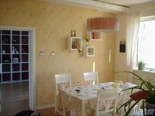 田园风格二居室10-15万100平米客厅餐桌新房设计图