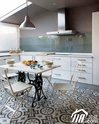 欧式风格别墅20万以上餐桌图片