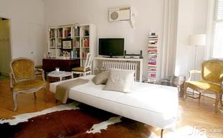 客厅中独特设计 完美小户型