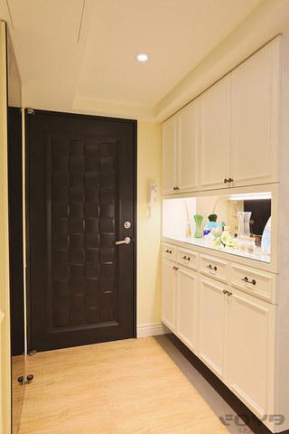 带清新飘窗 古典精致居室设计