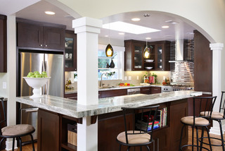 现代厨房 咖啡色系打造完美厨房