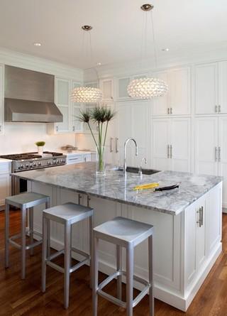 厨房的超大操作台 给你完美的厨房体验