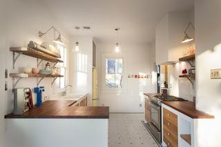 簡潔舒適 得克薩斯州簡約公寓里的廚房