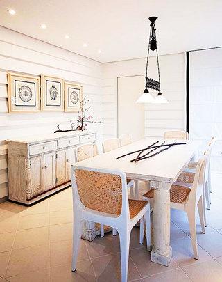 白色餐桌设计图