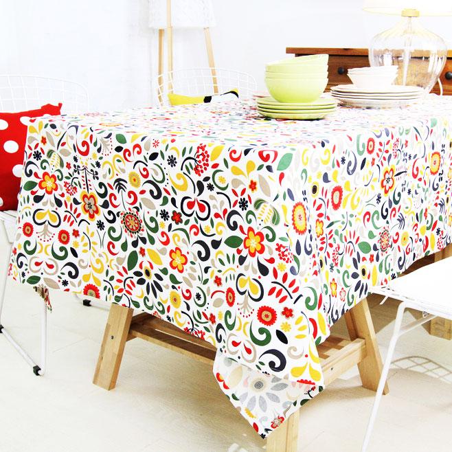 花色餐桌布效果图
