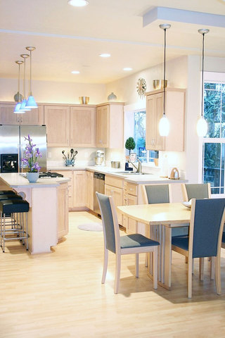 欧式风格厨房灯具效果图