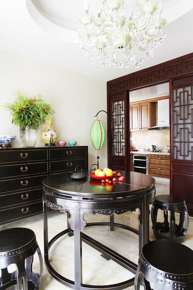中式圆餐桌图片