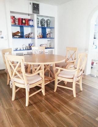 原木色餐桌设计图