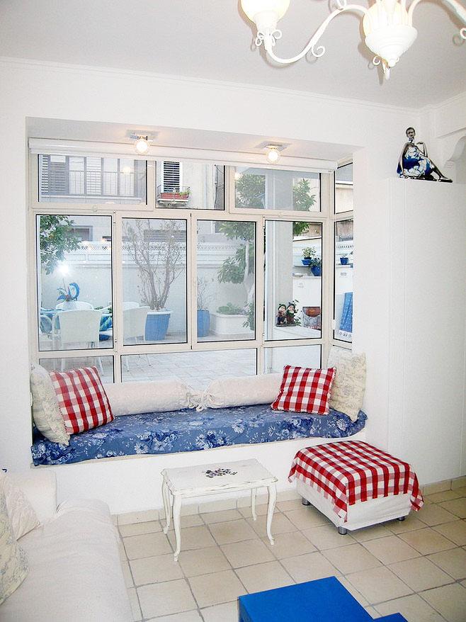 白色飘窗设计图