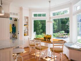 温馨餐厅角落 12款餐厅弧形飘窗设计