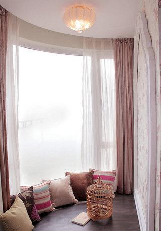 藕粉色飘窗窗帘图片