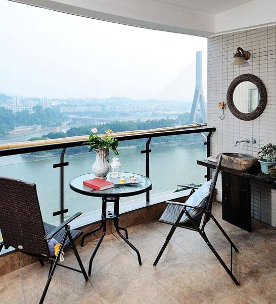 现代简洁阳台设计效果图