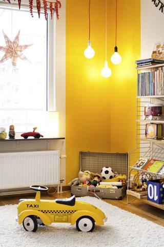 温馨黄色儿童房效果图
