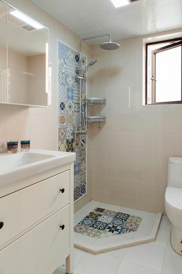 时尚白色卫生间装修效果图