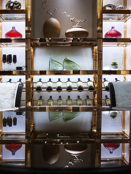 180平米中式混搭餐厅酒柜图片设计