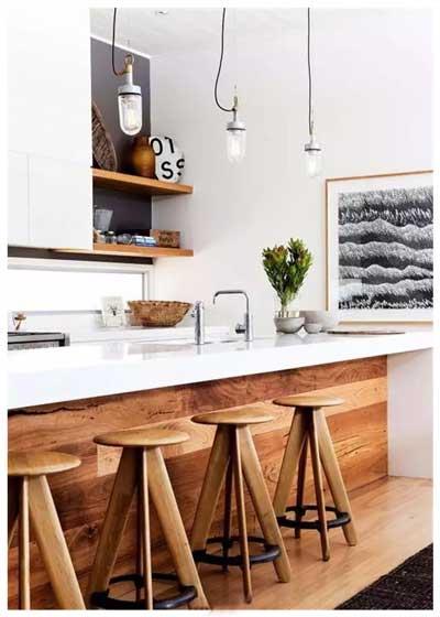 木色酒桌装修图片