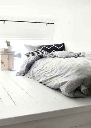 极简卧室设计实景图