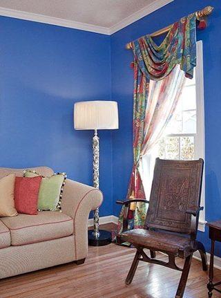 蓝色系客厅窗帘布置图