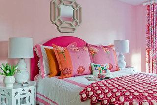 粉色系卧室设计实景图