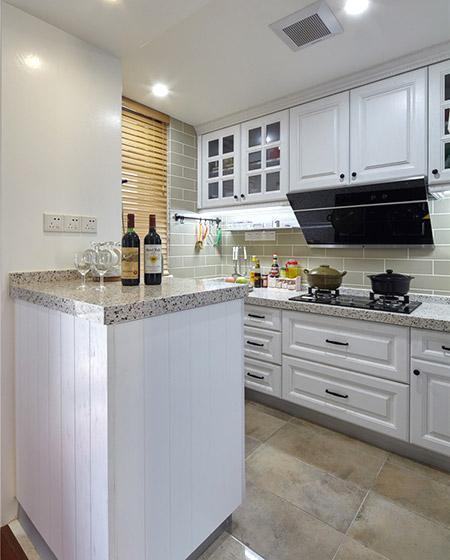 美式厨房小吧台隔断设计