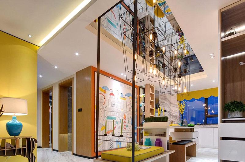 120平简约三居餐厅吊顶装修