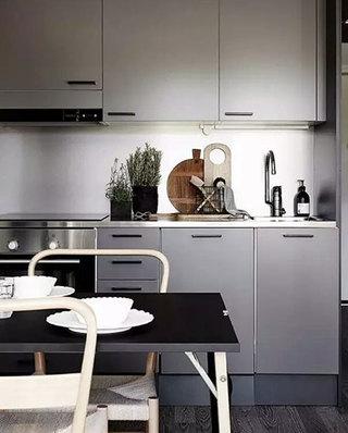 开放式厨房灰色整体橱柜