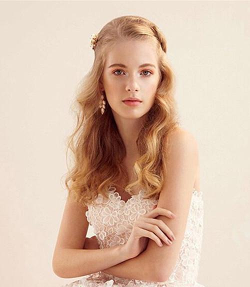 方脸新娘发型什么样好 方脸新娘如何化妆才会