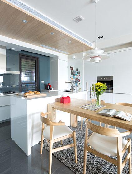 125平北欧三居室餐厅厨房一体装修