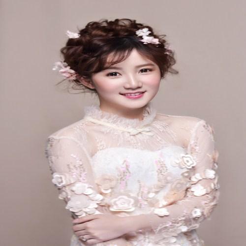 新娘当天化妆有哪些技巧 新娘化妆注意事项