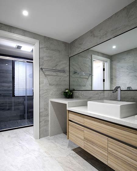 220平美式风格四居卫生间瓷砖图片