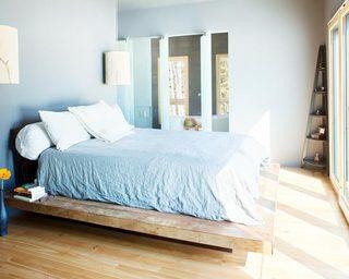 蓝色卧室床构造图片