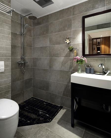 100平简约二居室卫生间瓷砖装修图