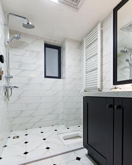 105平简约三居卫生间瓷砖图