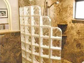 通透沐浴  10个卫生间玻璃墙装饰图