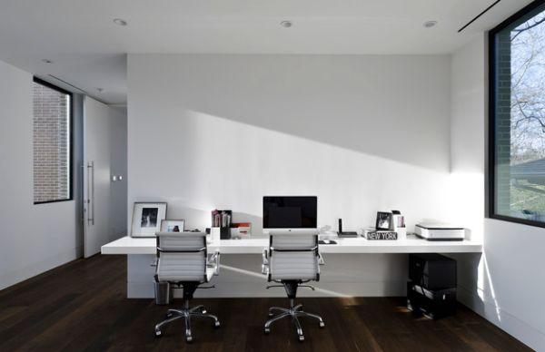 Minimal-workstation-in-white