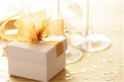 5年结婚纪念日送什么_20年结婚纪念日送什么礼物_结婚十年纪念日送什么礼物