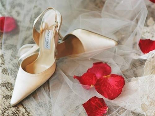 女士婚鞋品牌大全 每一款都能让你穿出自信