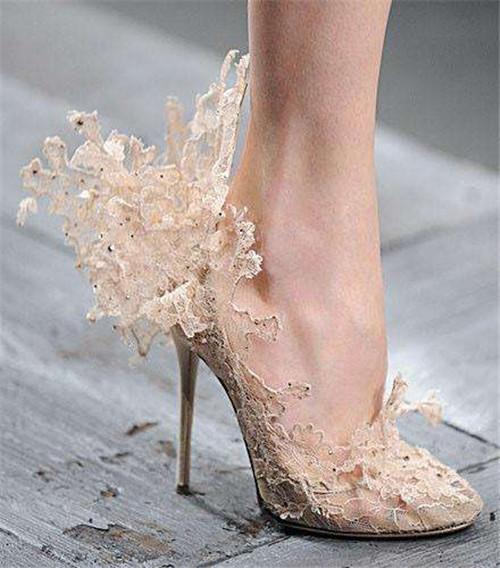 新娘鞋婚鞋你会搭配吗 新娘怎样让自己更加的完