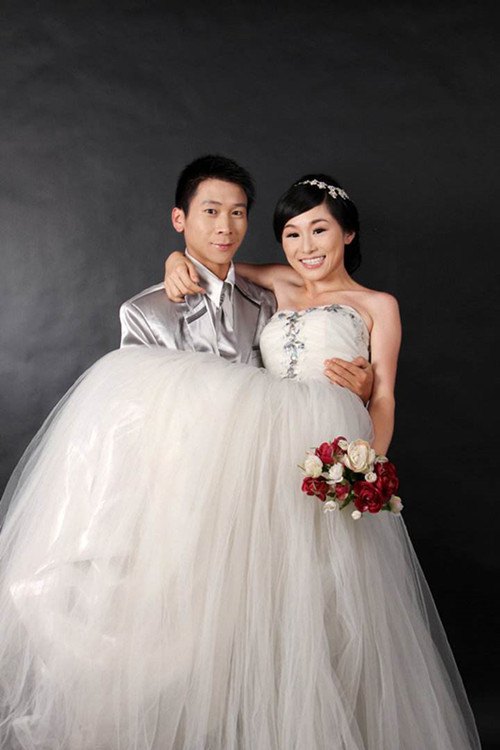 婚纱照头型常见有哪几种 怎么根据新娘头型做发