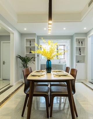 现代简约风格公寓装修实木餐桌