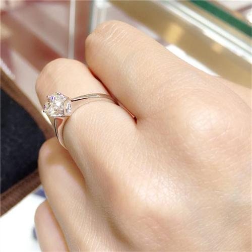最小的钻戒多少钱 为什么专柜的钻戒那么贵