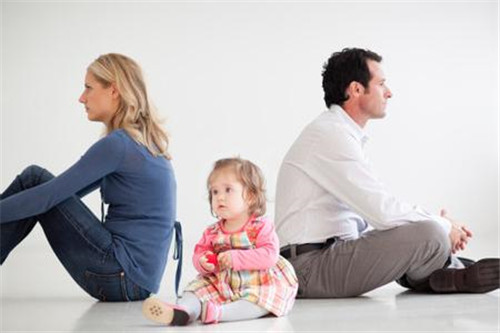 离婚对孩子的伤害  离婚后孩子会叛逆吗