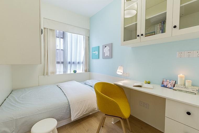 15万搞定三居室装修蓝色卧室图片