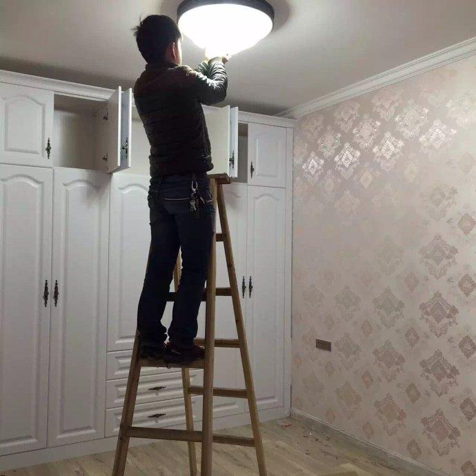 灯具安装工一天多少钱 ?安装灯具需要注意哪些事项?